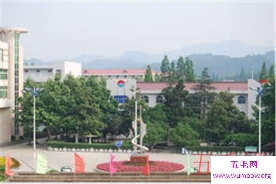 亚洲最大高考工厂,万人送考%2c场面极度震撼!