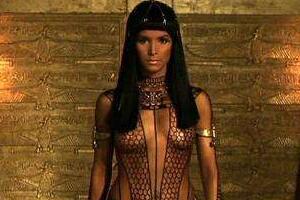 木乃伊亚曼拉公主的诅咒,任何接触者都会厄运缠身